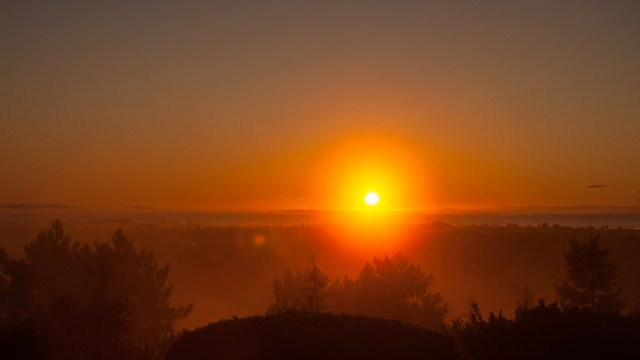 Every day another amazing sunrise that Eva has to take a picture of. :)
