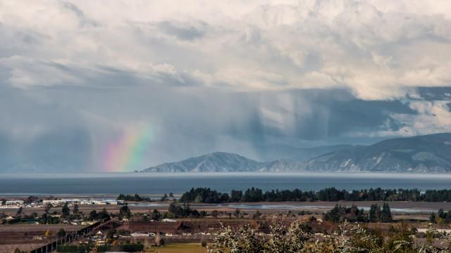 Rain showers over Marlborough