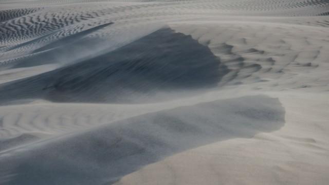 Yay, flying sand