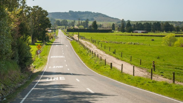 Typical NZ one-lane-bridge
