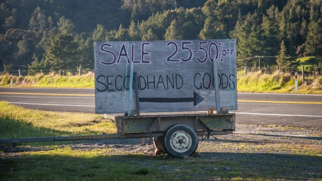 "If you don't read carefully while driving by, this looks like ""Secondhand gods"""