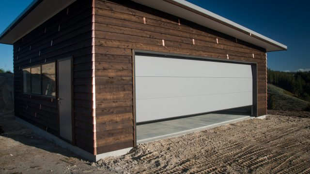 The new 6m garage door
